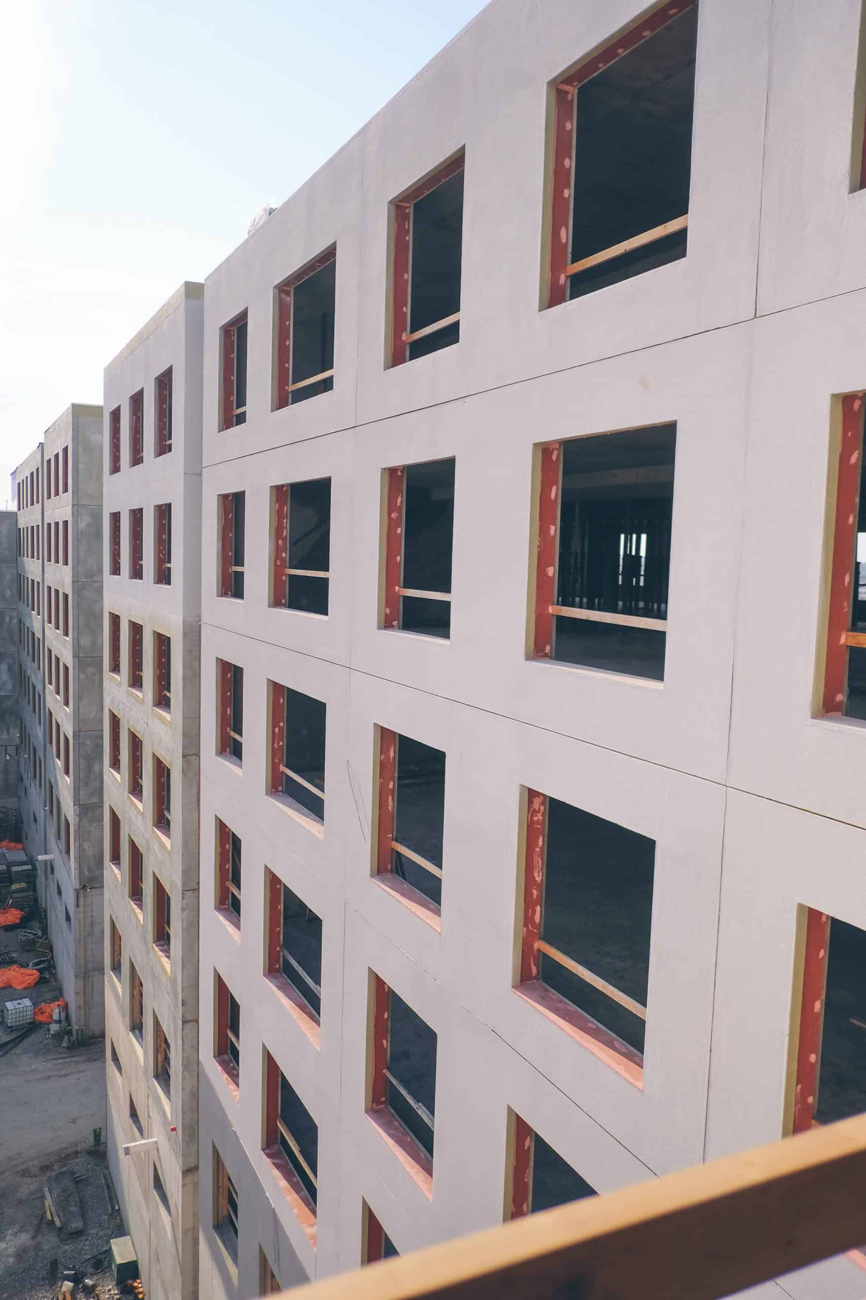 Second + Delaware Apartments in Kansas City, Mo., include 276 units and 750 windows.